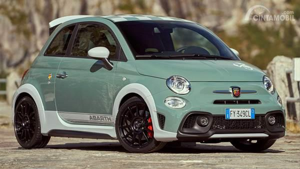 Abarth 695 Green Front