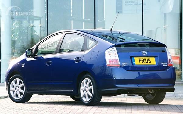mobil listrik Toyota Prius