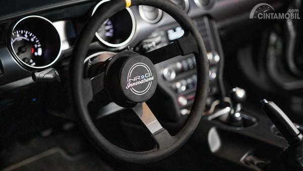 ford Mustang GT NASCAR Interior