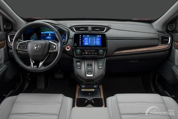 Dashboard Honda CR-V 2020 tampil dengan fitur-fitur yang sangat lengkap baik dari segi hiburan dan pengoperasian Hybrid