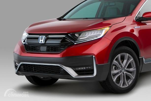 Eksterior Depan Honda CR-V 2020 berubah soal tampilan seperti desain Grille dan hadirnya lampu 5 buah LED pada versi Hybrid