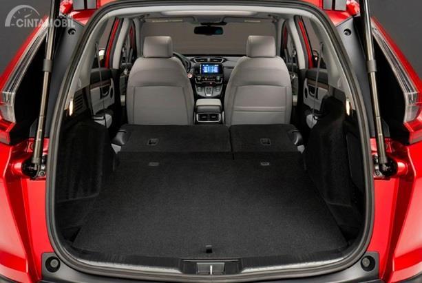 Kursi Honda CR-V 2020 mampu dilipat pada kursi belakang, sehingga kapasitas bagasi bisa bertambah