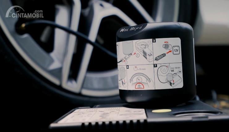 Cintamobil TV: Ada Tire Repair Kit untuk Pengguna C-Class, Begini Cara Pakainya
