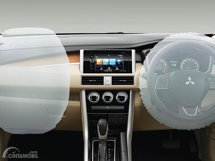 Foto menggambarkan Airbag Mitsubishi Xpander Ultimate AT 2019 dalam kondisi mengembang