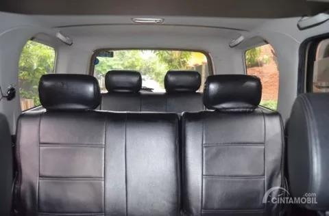Gambar menunjukkan Kursi Daihatsu Taruna FGX Oxxy 2005