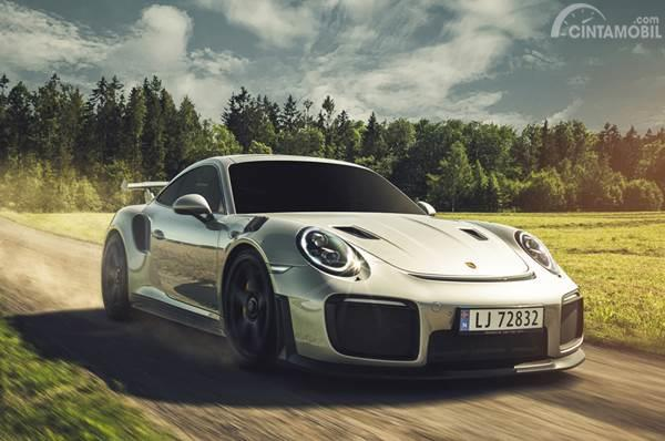 Modifikasi Porsche 991 Turbo S Bermuka GT2 RS
