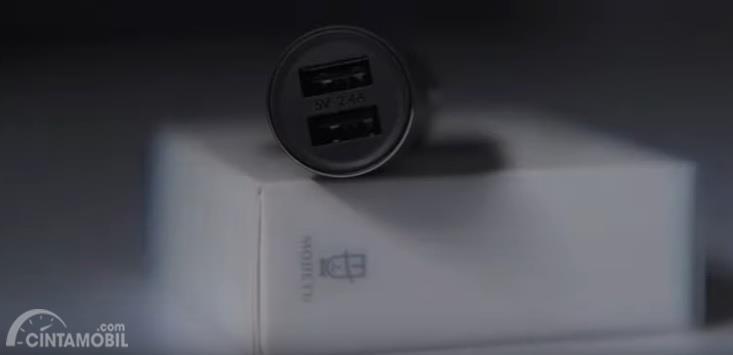 Car Charger Bluetooth  yang baru