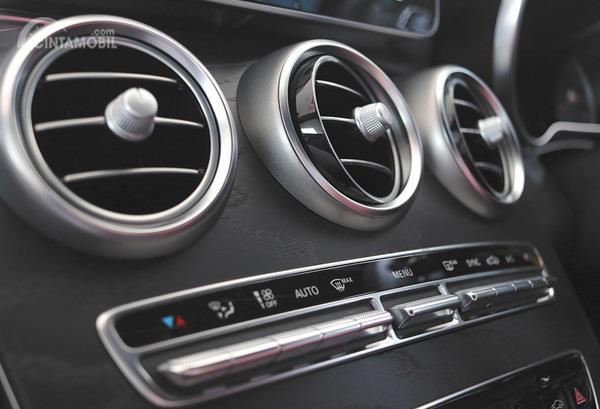 AC Mobil nyatanya punya berbagai macam komponen