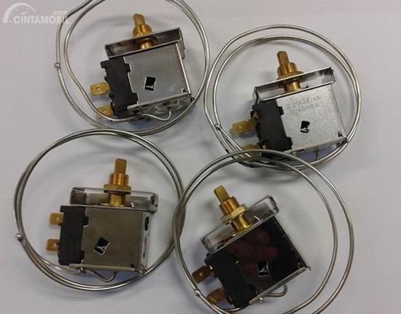 Thermostat AC Mobil punya tugas khusus yakni mengatur kinerja dengan memberikan sinyal akan kondisi suhu dari interior mobil