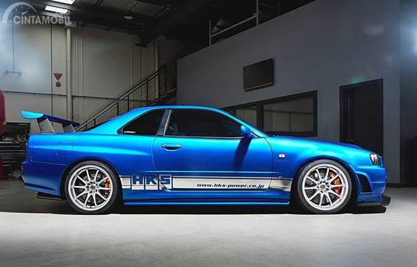 Nissan GT-R R34 Side