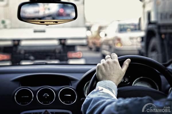 5 Tindakan yang Wajib Dilakukan Ketika Terjebak Kemacetan