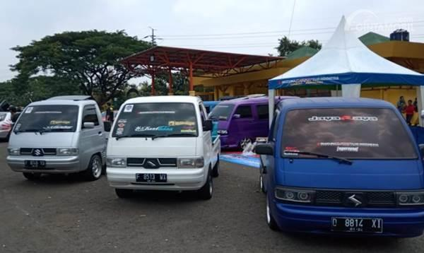 mobil Suzuki Carry pickup