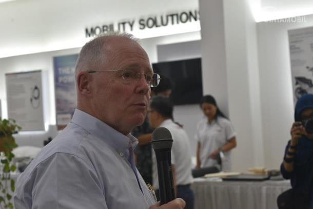 Andrew Powell menjelaskan banyak hal terkait kiprah dan sejarah BOSCH di Indonesia