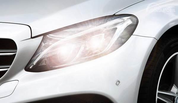 lampu utama mobil
