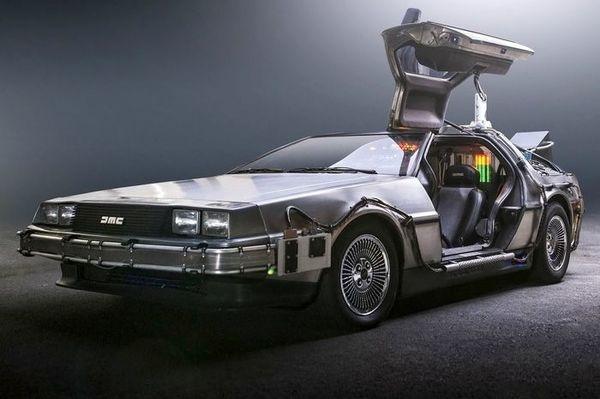 Foto DeLorean Time Machine