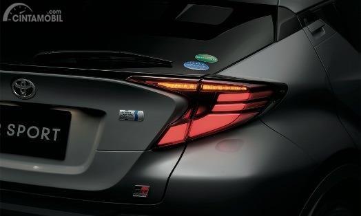 Gambar menunjukkan Stoplamp Toyota C-HR GR Sport 2019