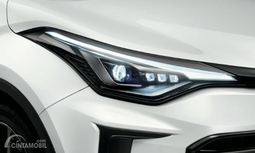 Gambar menunjukkan headlamp Toyota C-HR GR Sport 2019