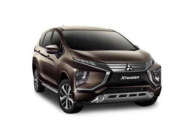 Eksterior Mitsubishi Xpander Sport mendapat ubahan pada Grille yang sudah menggunakan krom serta pelek 16 inci
