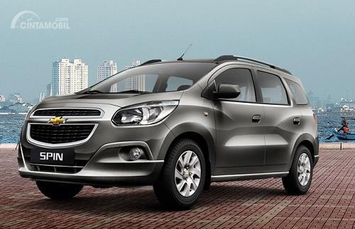 Chevrolet Spin berwarna hitam diperkenalkan di Indonesia