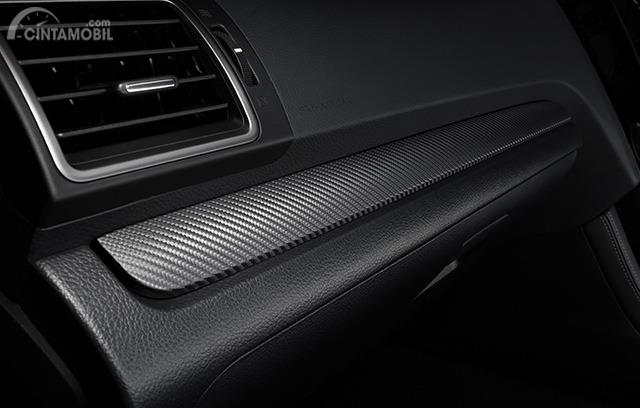 Gambar menunjukkan Ornamen Karbon Subaru WRX STI EJ20 Final Edition 2019