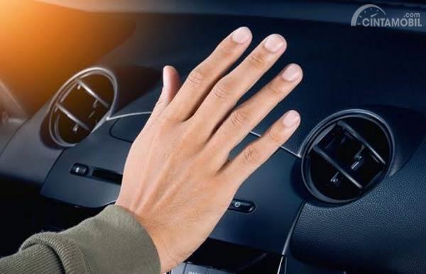 kisi-kisi AC mobil
