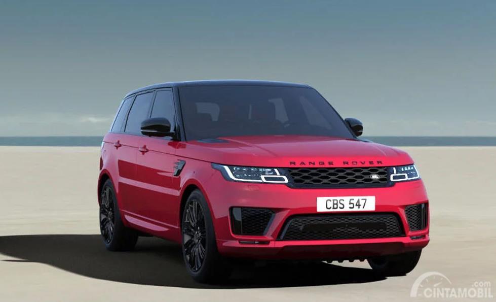 mobil baru Range Rover Sport berwarna merah