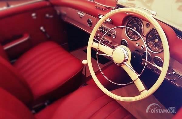 interior mobil klasik