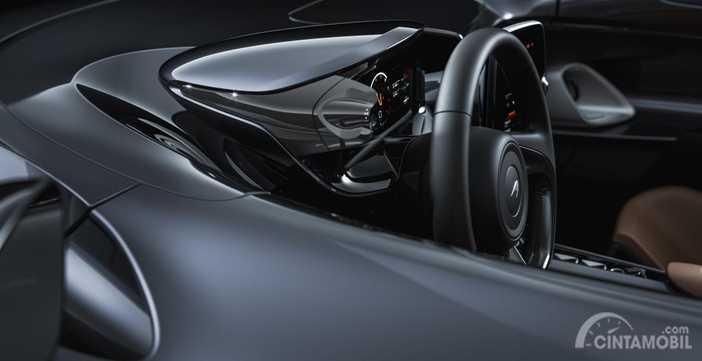 Gambar menunjukkan McLaren Elva dari sisi mode berkendara