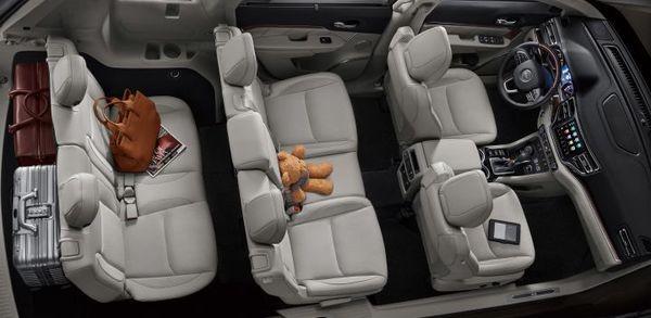 Foto interior Jeep Compass 7 penumpang