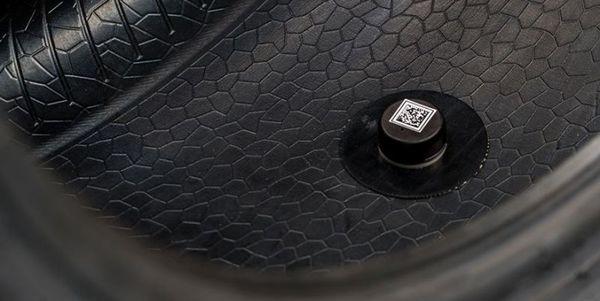 Foto sensor pada teknologi ban pintar Pirelli