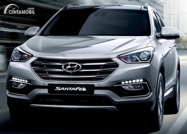 Bertabur Fitur, Yuk Intip Harga Hyundai Santa Fe Diesel Bekas 2016