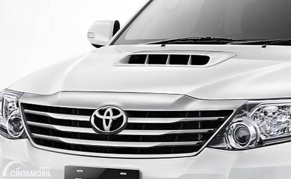 Toyota Fortuner VNT facia