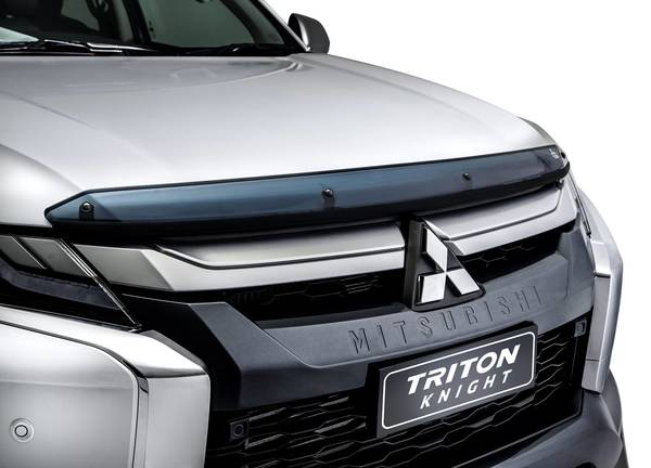 Foto hood deflector di Mitsubishi Triton Knight