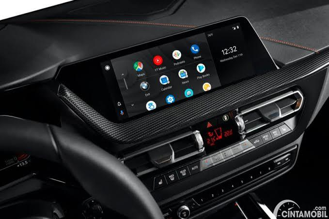 Sistem infotainment BMW dengan support Android Auto