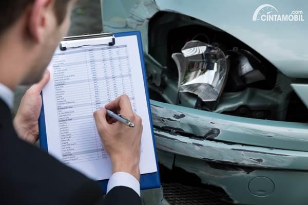 Sudah Paham Belum, Beda Asuransi dan Garansi Mobil?