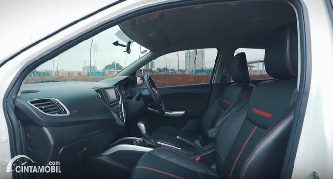 Gambar menunjukan Kursi Suzuki Baleno Hatchback AT 2018