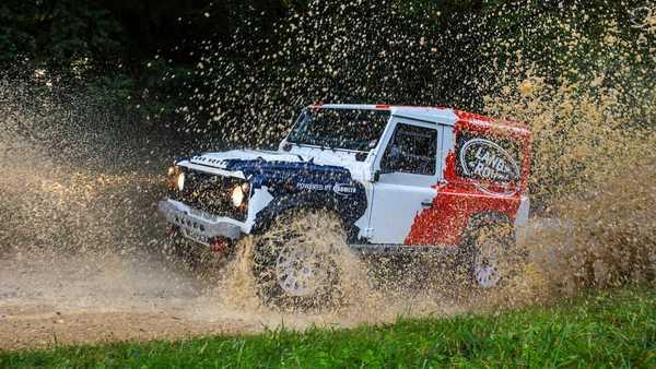 Foto Bowler Land Rover