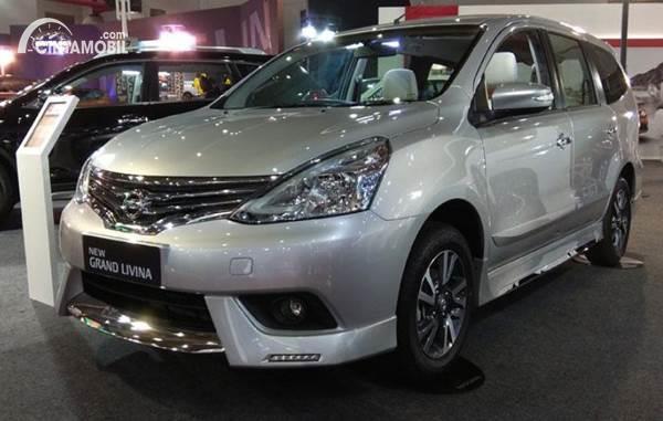 Nissan Livina bekas