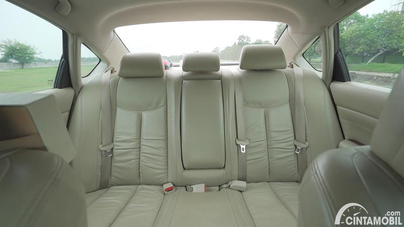 kursi Nissan Teana 250 XV 2011 berwarna beige