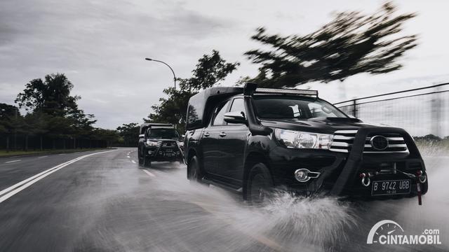Ini Dia Daftar Hotline Emergency Road Assistance Mobil Selama Banjir Jakarta 2020