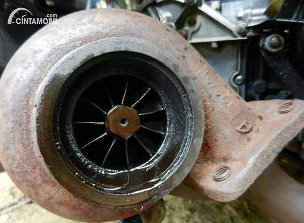 turbo mobil rusak