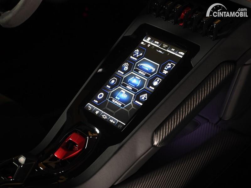 Foto Lamborghini Huracan EVO dari sistem HMI