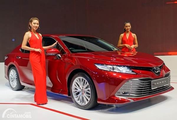 mobil baru Toyota Camry