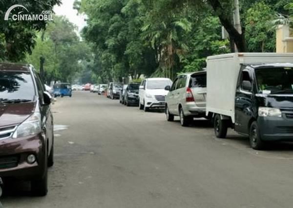Larangan Parkir Bagi Warga Depok yang Punya Mobil Tak Punya Garasi Baru Berlaku 2022