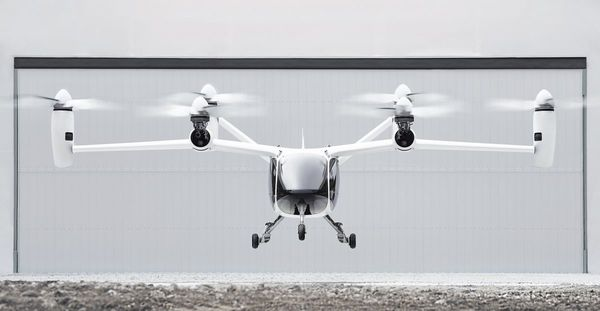 Gambar menunjukkan Joby Aviation eVTOl Aircraft sedang terbang di atas langit