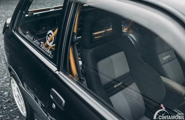 interior Toyota Starlet EP82 Turbo