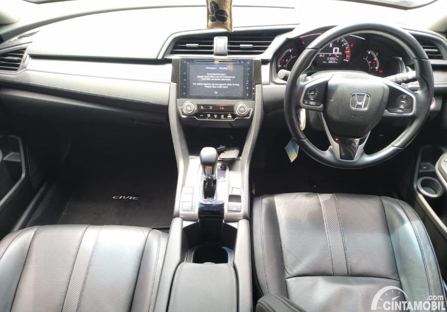 Gambar menunjukan layout dashboard Honda Civic Turbo Sedan 2016