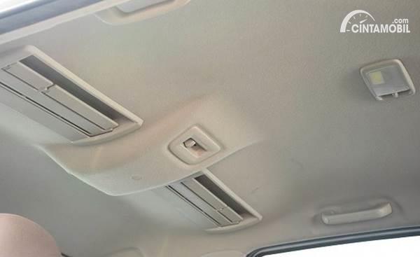 Atap Mobil Bocor? Periksa Bagian Ini