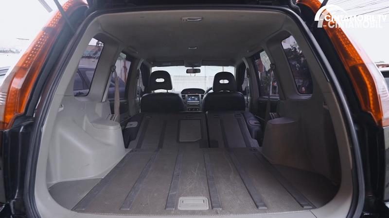 bagasi Nissan X-Trail 2.0 MT 2007 berwarna hitam
