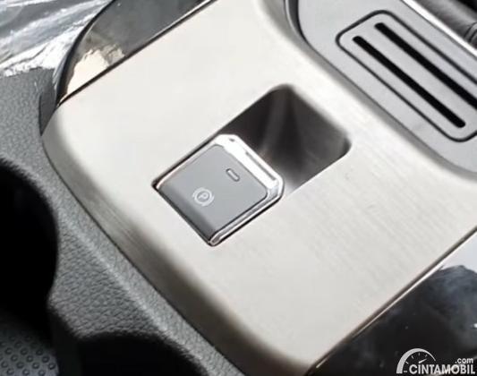 Gambar menunjukkan Electronic Parking Brake DFSK Glory 560 Type B 2020